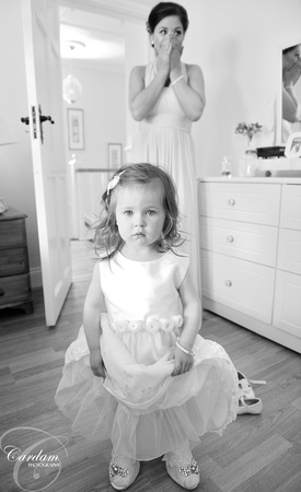 Flowergirl in Brides shoes